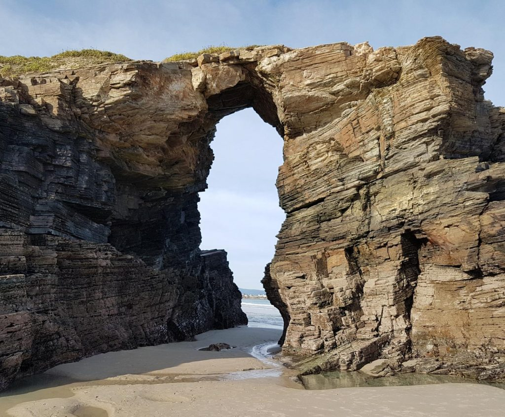 arco playa catedrales