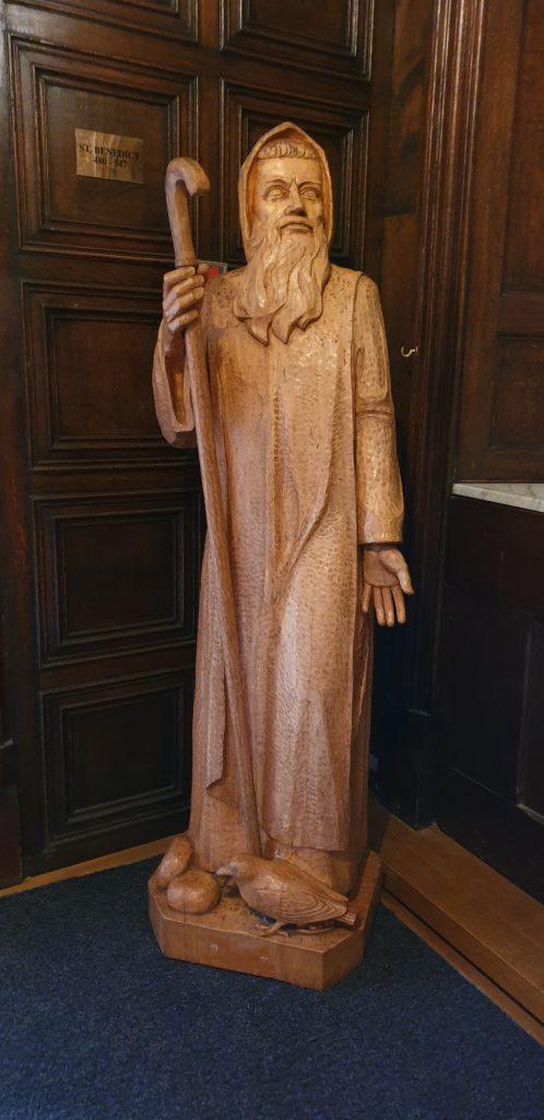 Estatua en la abadía Kylemore