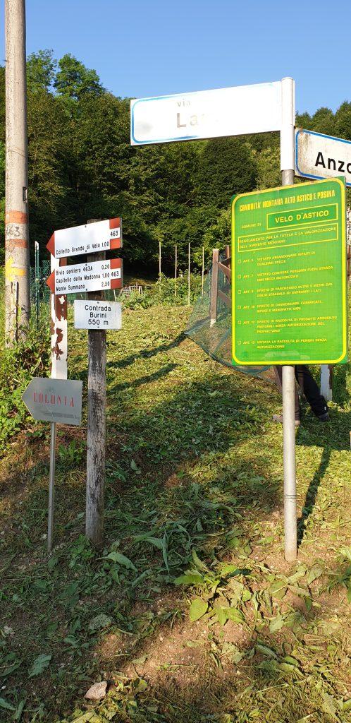Carteles de indicación de la ruta