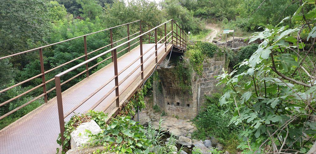 Puente Gótico y metálico