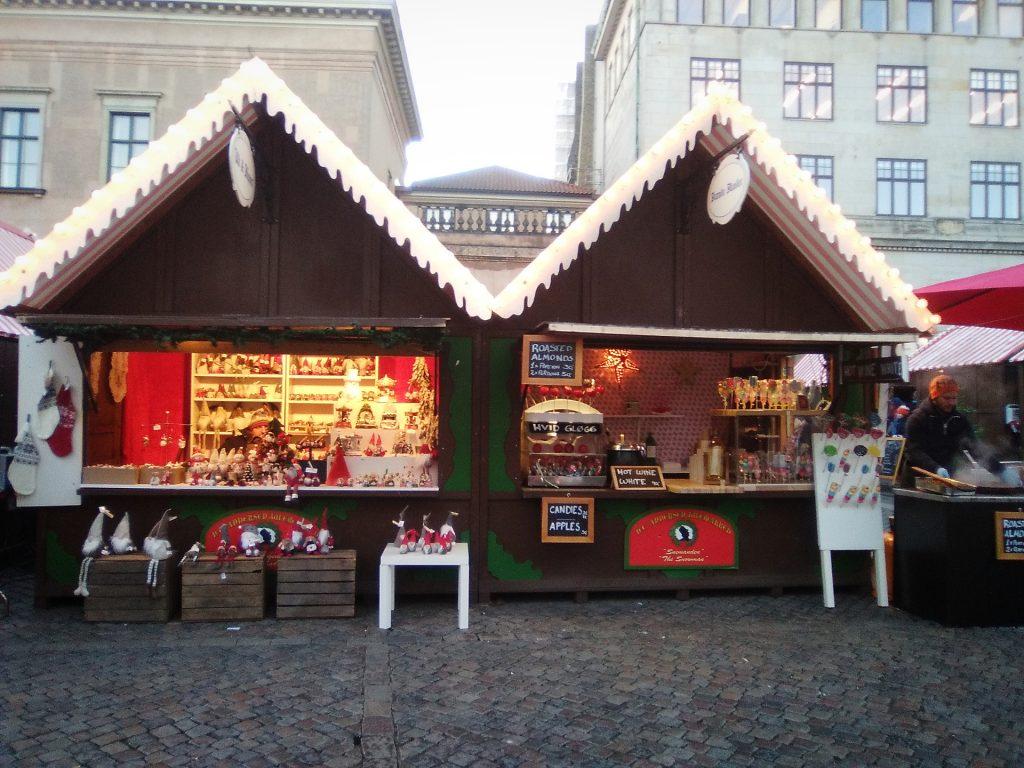Puestos del mercadillo navideño de Copenhague