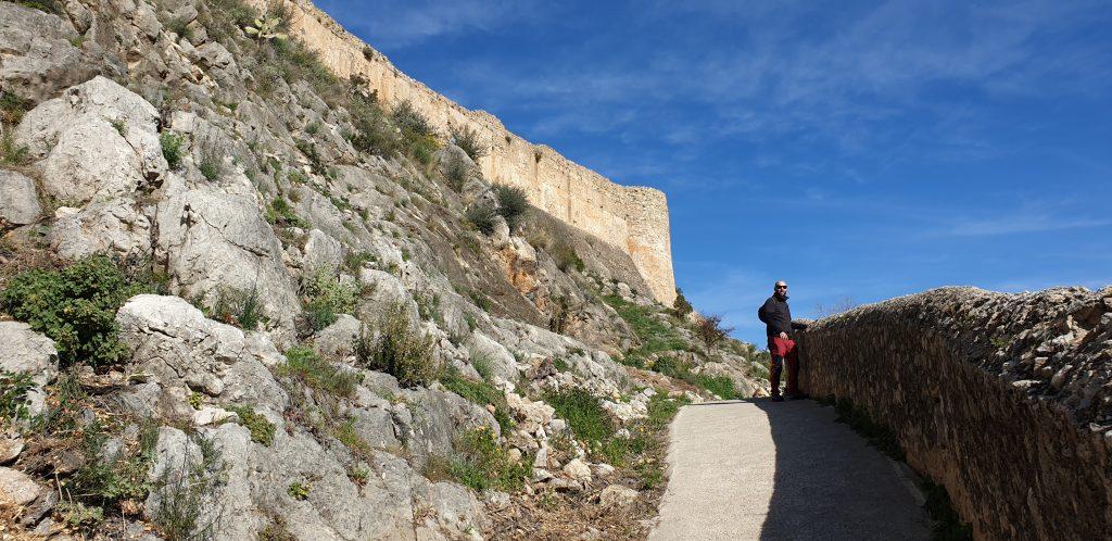 Muralla del  castillo de Chulilla