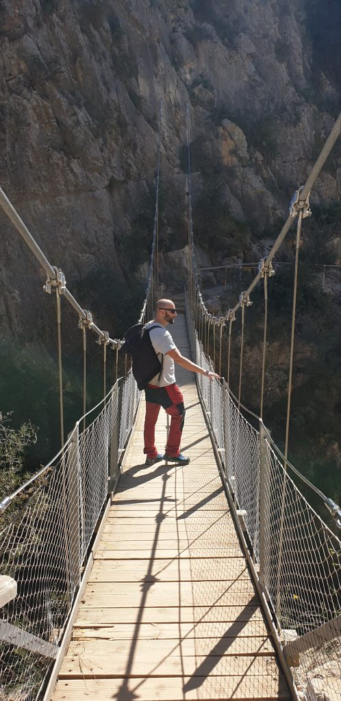 Puente colgante de los Calderones
