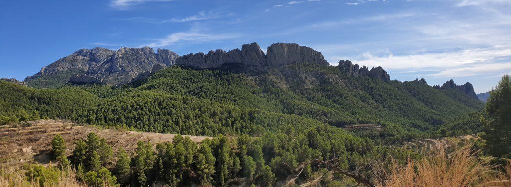Vistas del Puig Campana y el Monte Casteller