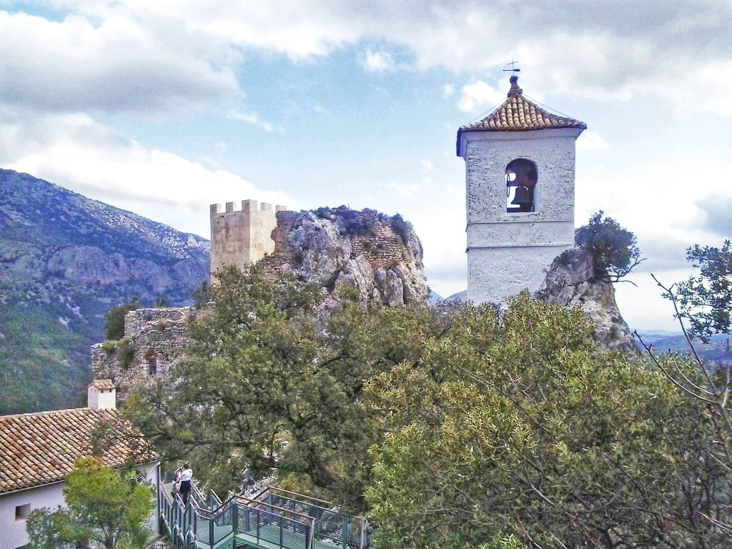 Campanario y torre de Guadalest