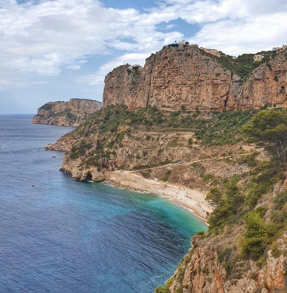 Cala del Moraig y acantilados de Benitatxell